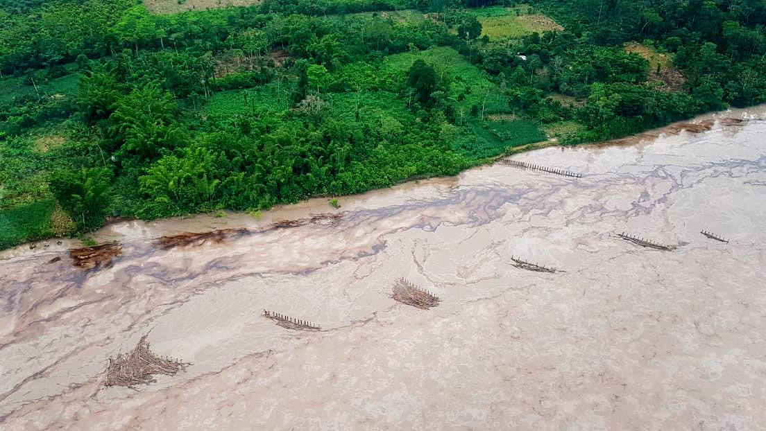 Derrame petrolero e inundaciones: las otras afectaciones a comunidades indígenas de la Amazonía de Ecuador, ya en alarma por el coronavirus