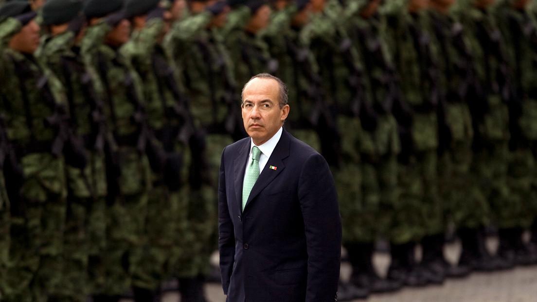Sin mención a los desaparecidos y con halagos a García Luna: la olvidadiza autobiografía de Felipe Calderón