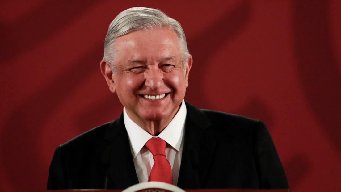 """¿Un índice de """"felicidad del pueblo""""? La propuesta de López Obrador para medir más allá del crecimiento económico"""