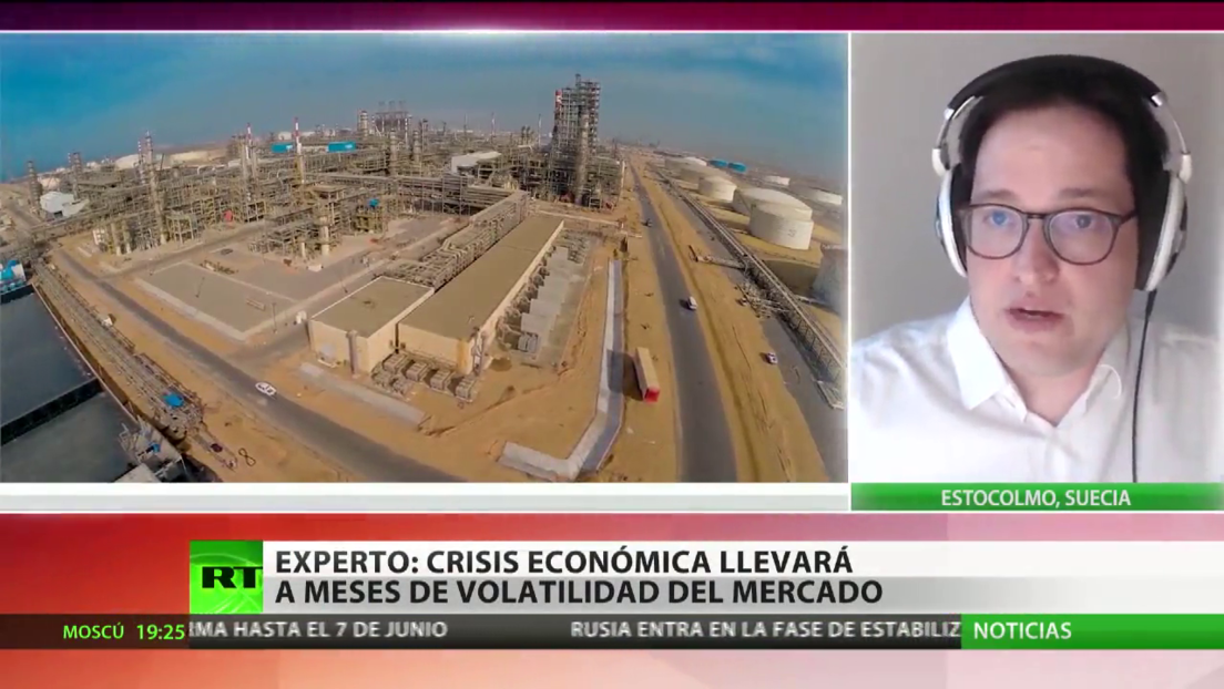 """Analista: """"La crisis económica va a ser un factor adicional, que va a debilitar todavía más la demanda del petróleo"""""""