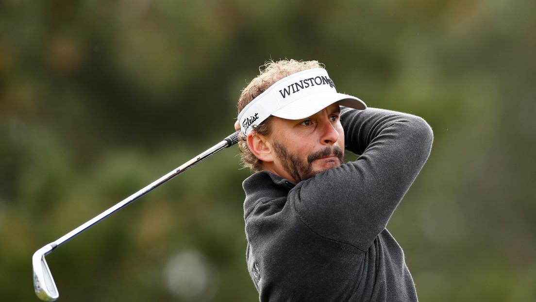 """VIDEO: Un golfista practica el distanciamiento social durante un entreno y """"casi mata"""" a su novia"""