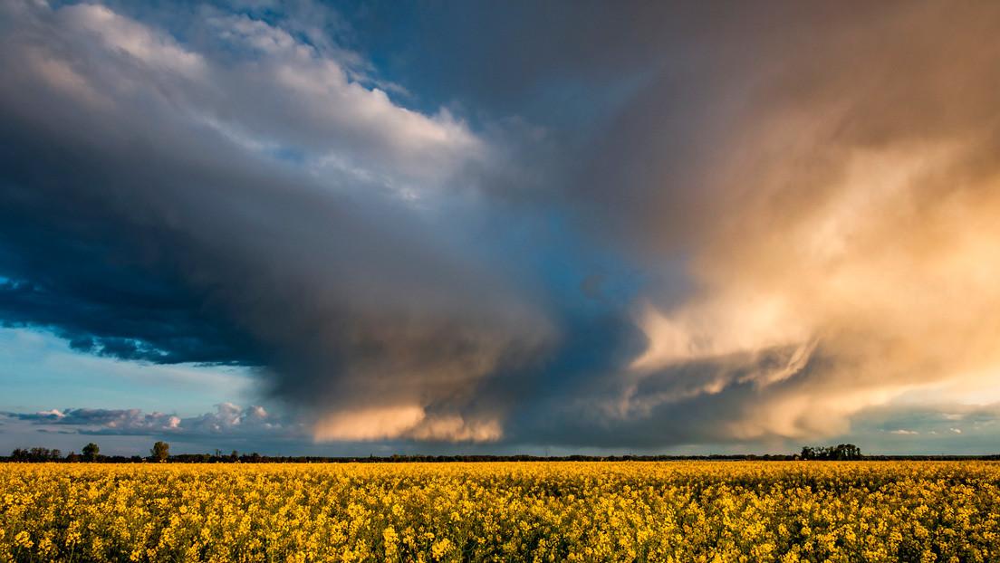 VIDEOS: Captan impresionantes superceldas en los cielos de Kansas a puertas de una temporada anormal de huracanes en EE.UU.