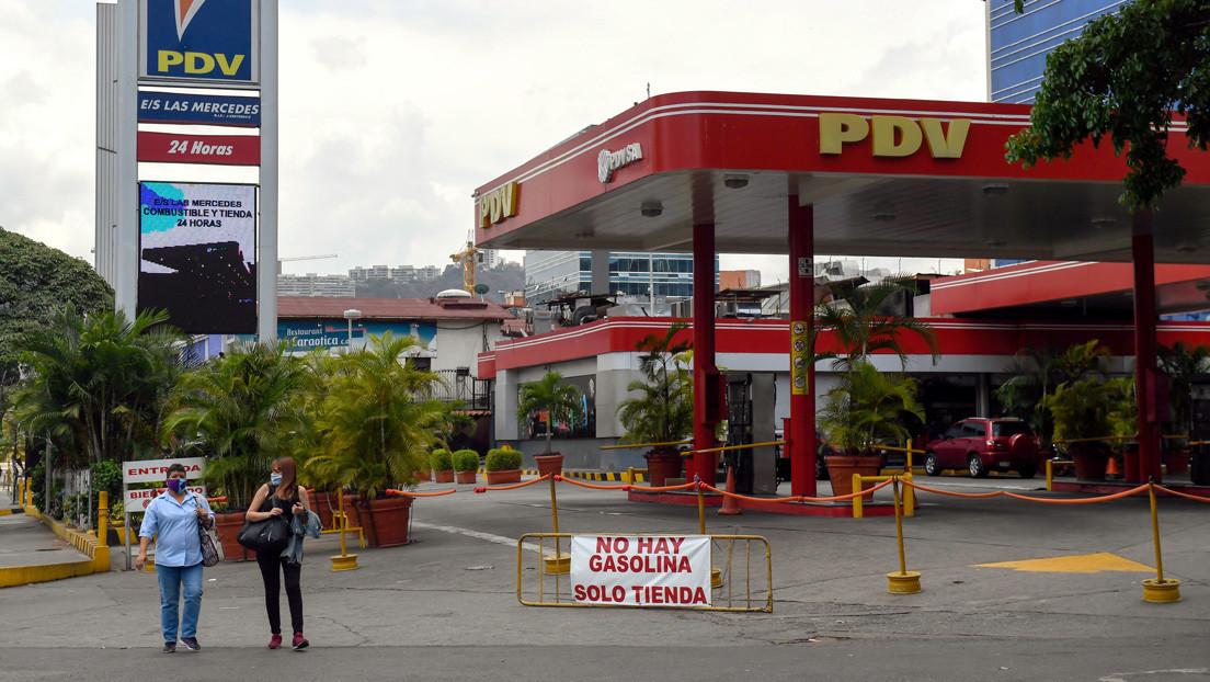 """Bloqueo, escasez de gasolina y nuevos precios: ¿el fin del combustible """"más barato del mundo"""" en Venezuela?"""