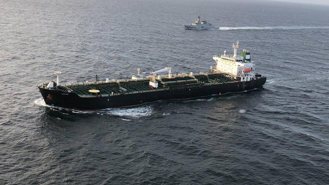 El primer buque petrolero iraní que transporta combustible a Caracas atraca en un puerto venezolano
