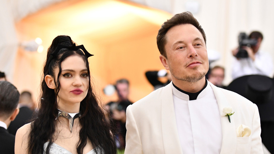 Elon Musk y Grimes cambian el extraño nombre de su hijo para poder registrarlo