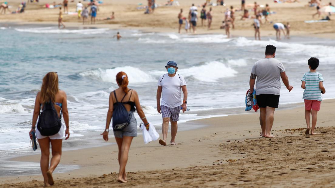 Científicos españoles advierten que durante el verano no se deben relajar las medidas contra el coronavirus