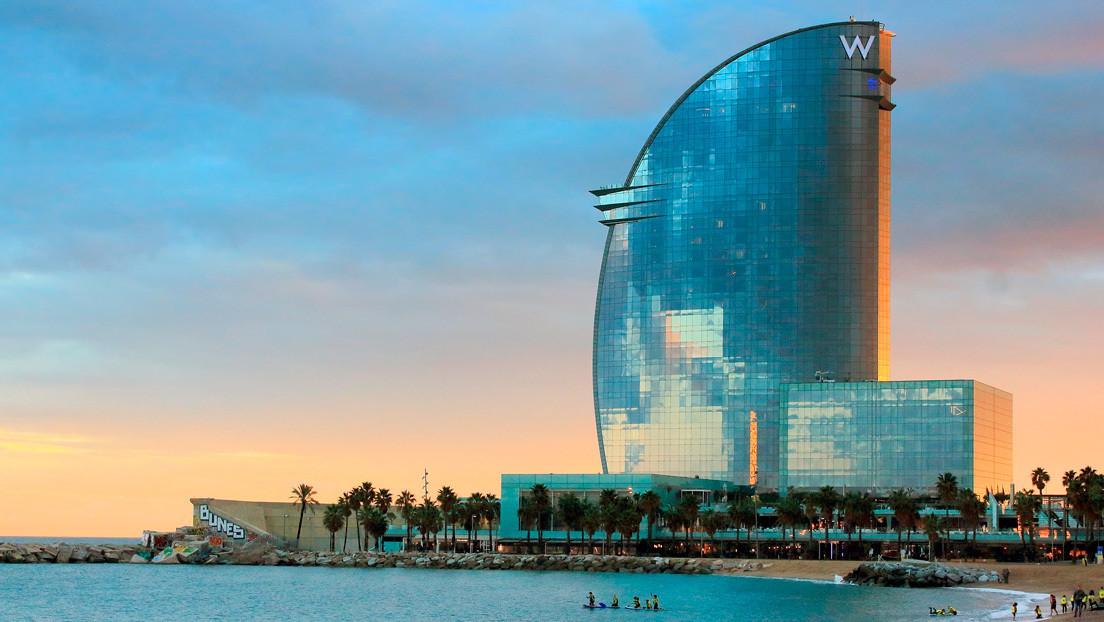 Confinado en un hotel de lujo, un español abre 1.400 grifos cada 5 días