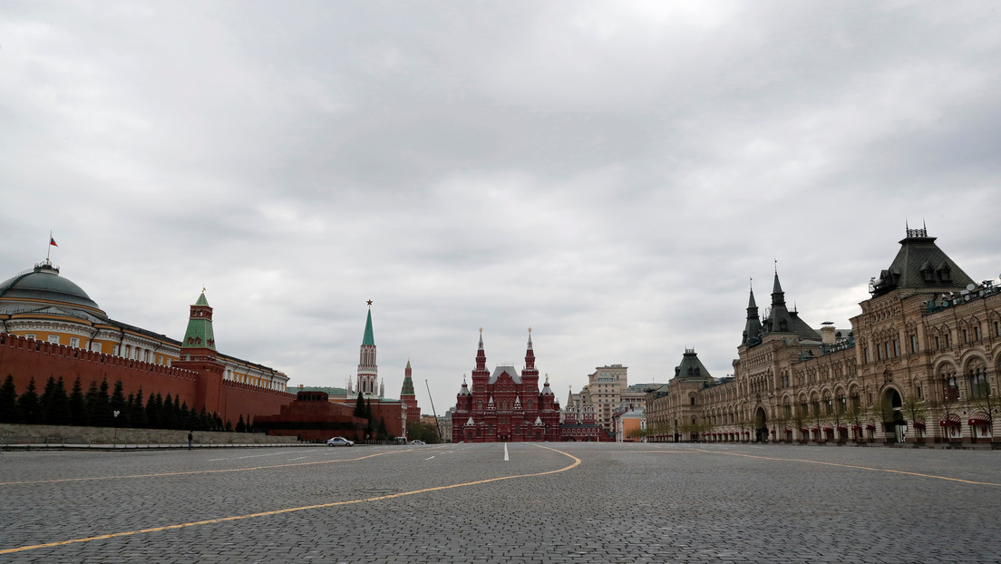 """Glorifica el nazismo"": Diplomáticos rusos critican un videojuego ucraniano que muestra un desfile de Hitler en Moscú"