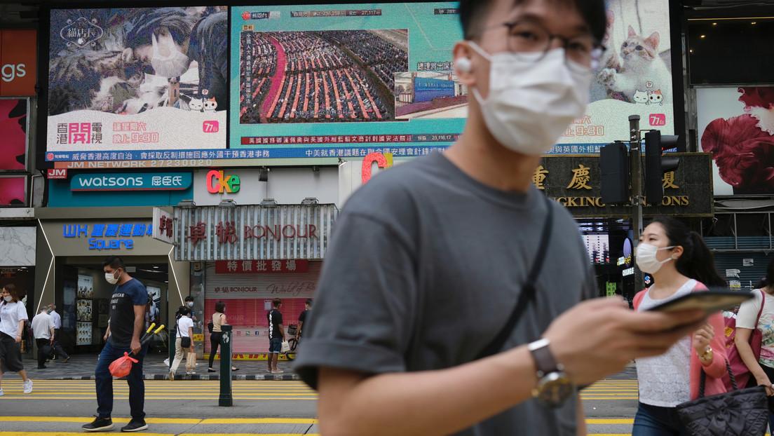 """China estima """"desvergonzado"""" que EE.UU. amenace con sanciones por la nueva ley de seguridad nacional para Hong Kong"""