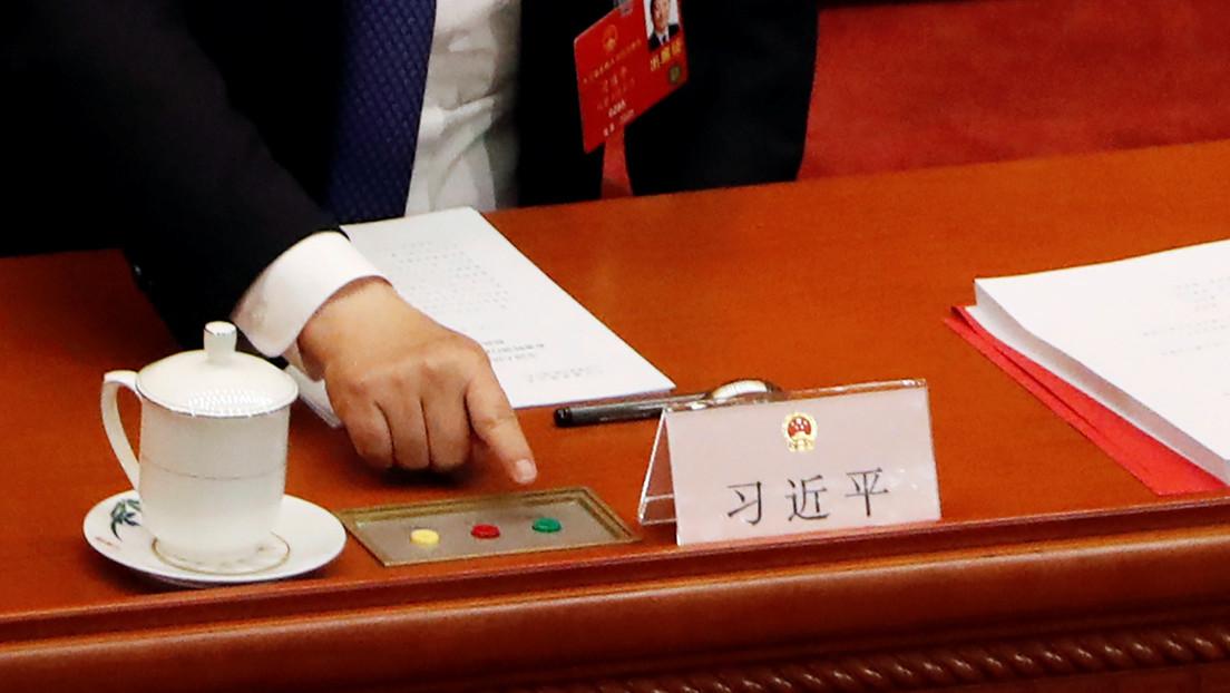 """Pekín amenaza a Londres con """"contramedidas"""" por sugerir una posible ciudadanía británica a residentes de Hong Kong"""