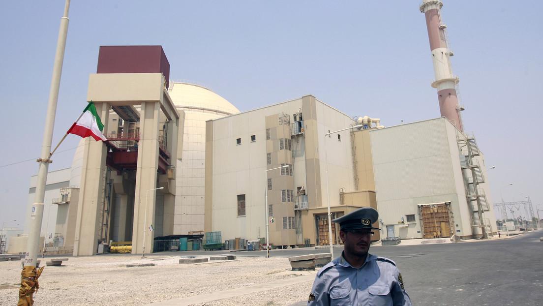 """Irán rechaza el """"intento desesperado"""" de presión de EE.UU. de poner fin a la exención de sanciones a las empresas que colaboren en su programa nuclear"""