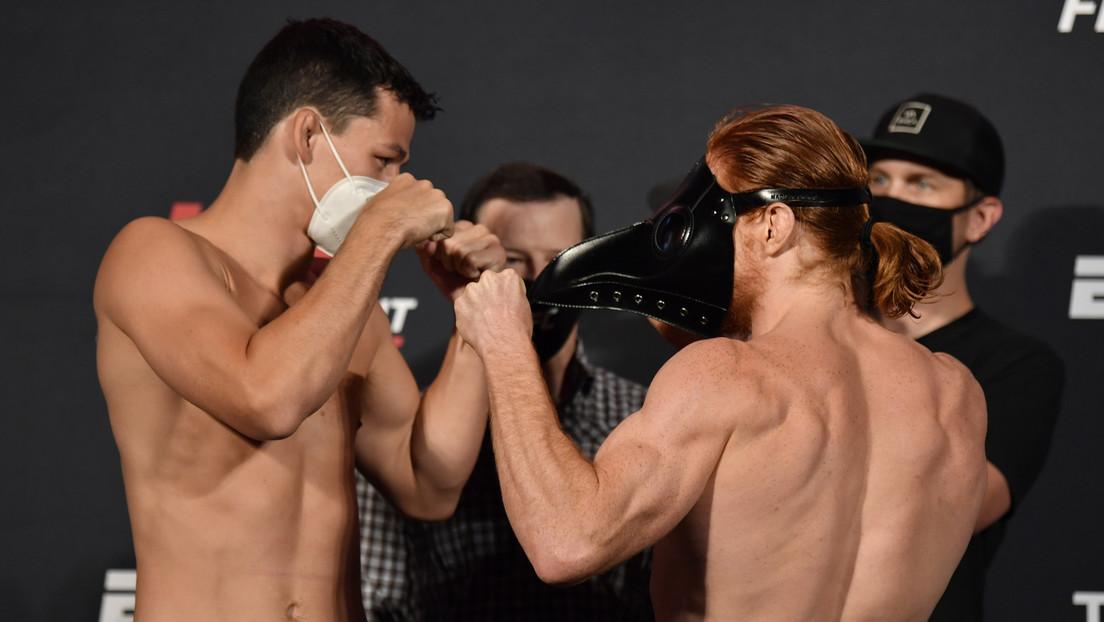 Un luchador de la UFC encara a su rival luciendo una máscara de la peste negra (FOTOS, VIDEO)