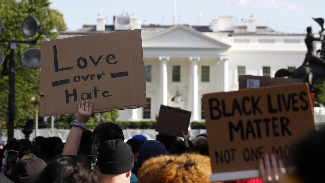 La Policía lanza gases lacrimógenos contra los manifestantes cerca de la Casa Blanca (VIDEOS)