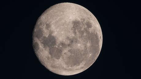 FOTOS: Un astrofotógrafo publica la imagen más detallada de los cráteres de la Luna