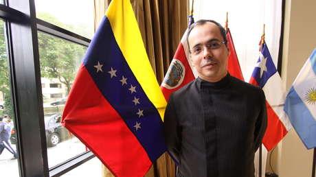 Renuncia al equipo de Guaidó el asesor que confesó haber firmado un contrato para atacar Venezuela