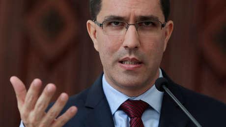 """Venezuela denuncia que EE.UU. le acuse de """"no cooperar en la lucha contra el terrorismo"""" tras """"haber sufrido una incursión armada"""" bajo su dirección"""