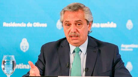 Argentina quiere incentivar el ahorro en pesos mientras se dispara el valor del dólar paralelo: ¿qué ocurre?