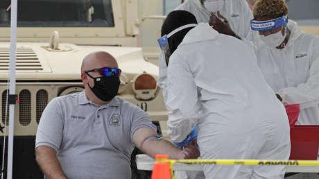 """Una científica de EE.UU. afirma que la despidieron por negarse a """"manipular"""" datos sobre el coronavirus"""