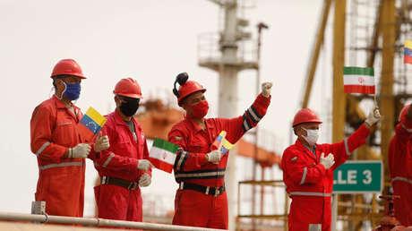 El buque Petunia llega a las aguas territoriales de Venezuela, el tercero de los cinco petroleros enviados por Irán