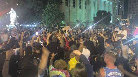 EE.UU.: Al menos 7 heridos de bala durante las violentas protestas en Louisville