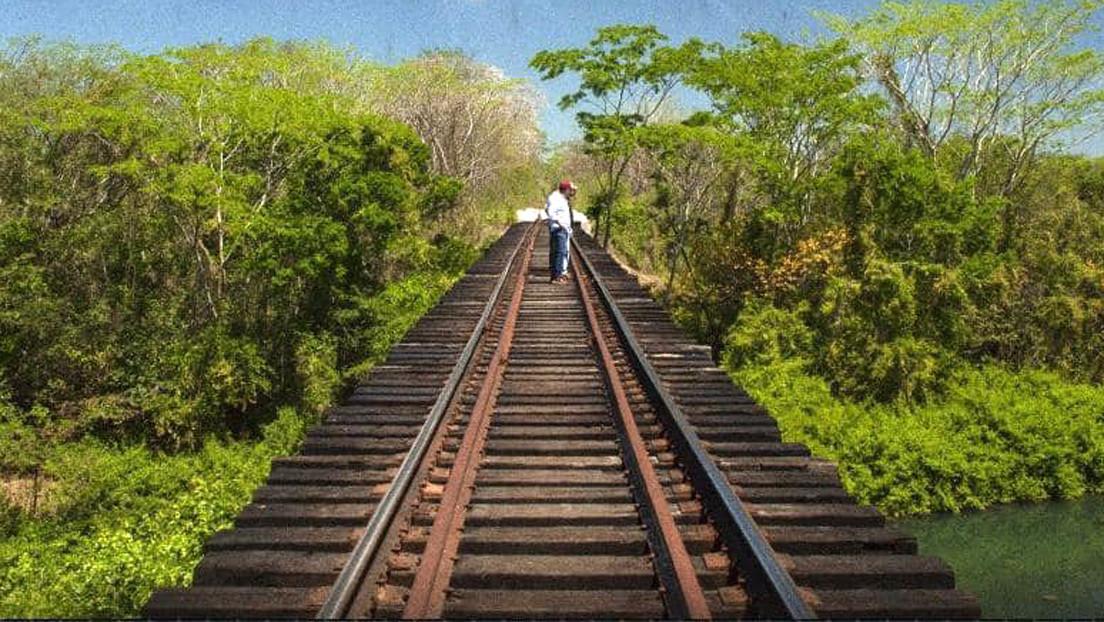 """López Obrador inaugura las obras del Tren Maya en el primer día de la """"nueva normalidad"""" pese al rechazo de las comunidades indígenas"""
