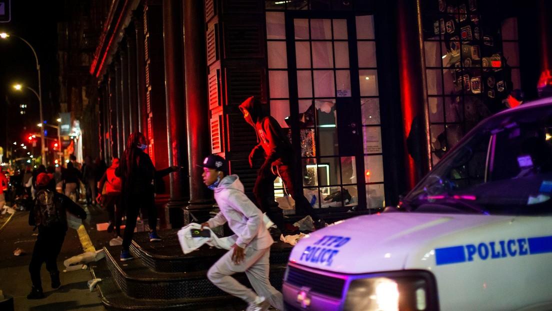 Más de 250 arrestos y siete policías heridos en un día durante las protestas en Nueva York