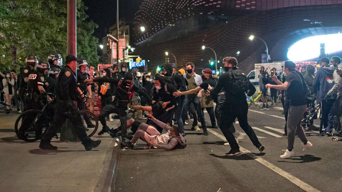 Cuomo anuncia el toque de queda en Nueva York y un despliegue adicional de fuerzas policiales por las protestas