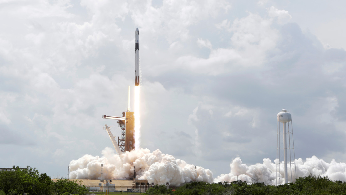 Astronautas de la NASA describen desde la órbita su histórico viaje en la nave espacial de SpaceX