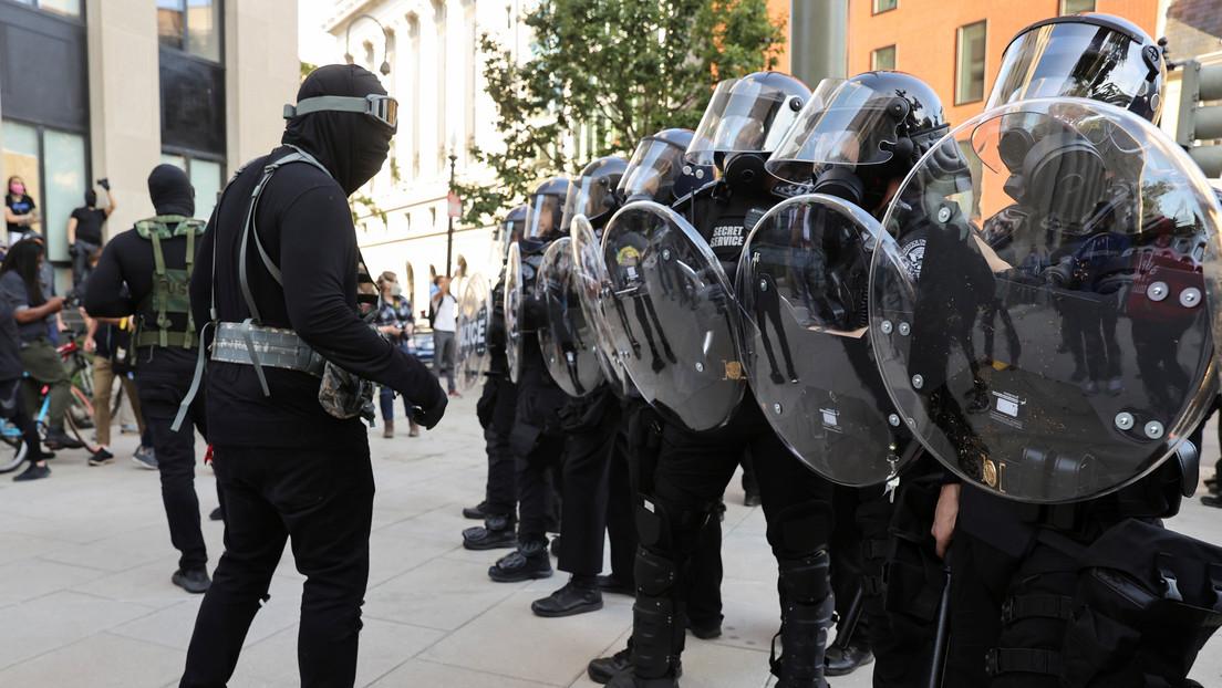 EE.UU. despliega efectivos del FBI y de otras agencias federales para frenar los disturbios durante las protestas en Washington