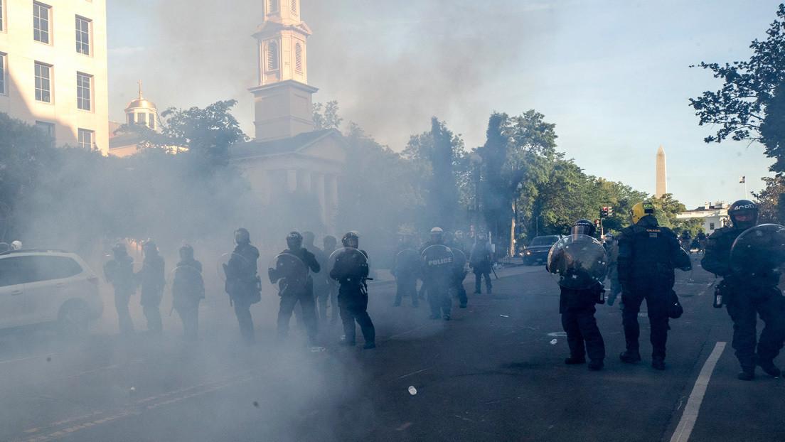 Un congresista de EE.UU. demanda explicaciones al Servicio Secreto por el uso de gases lacrimógenos contra manifestantes frente a la Casa Blanca