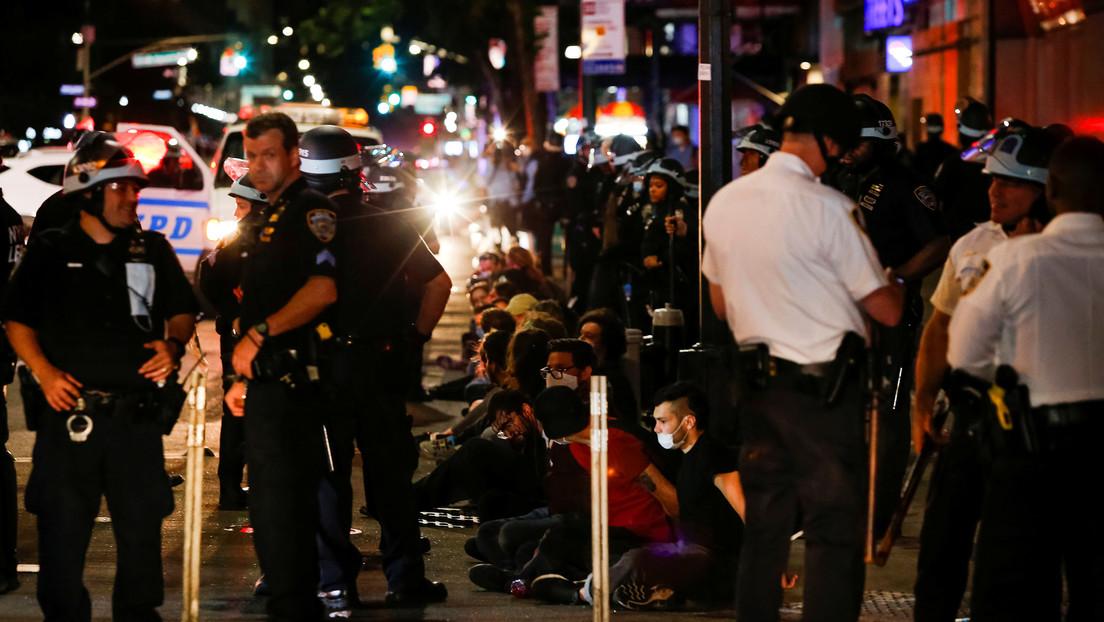 Choques con la Policía y cientos de detenidos en una nueva noche de protestas contra la violencia policial en EE.UU.