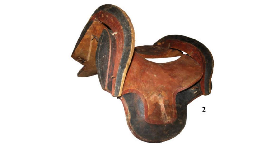 FOTOS: Hallan en Mongolia una silla de montar y otros objetos perfectamente conservados de hace 1.600 años