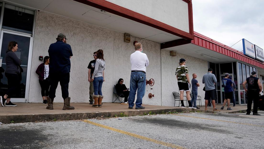 Aumentan en 1,8 millones los estadounidenses que solicitan ayudas por desempleo en una semana y ya suman más de 42 millones