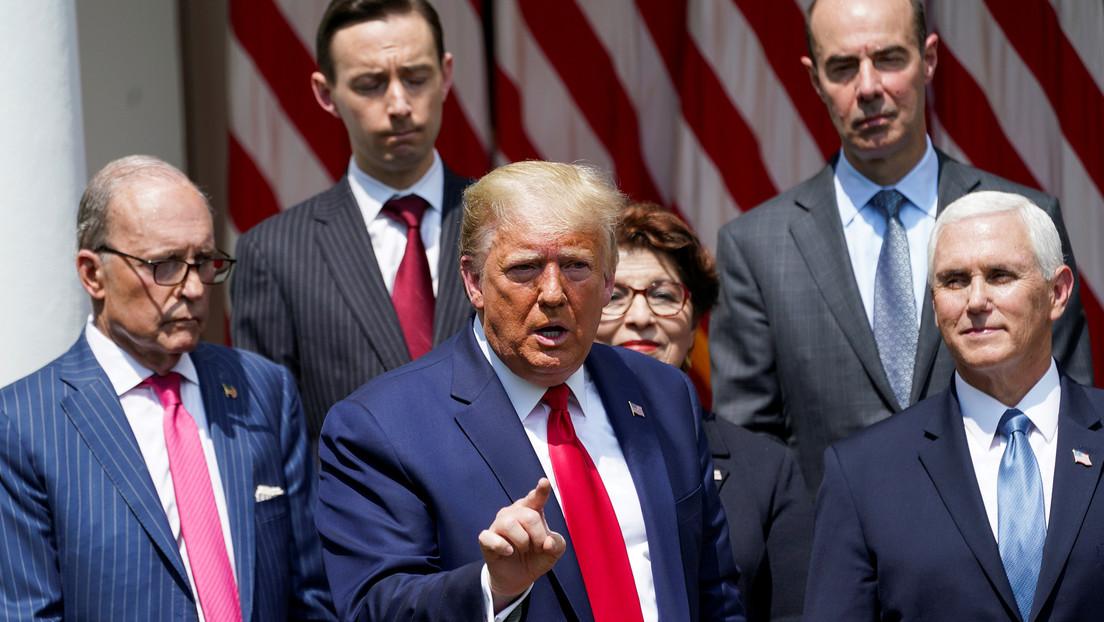 """VIDEO: Trump señala que es un """"gran día"""" para George Floyd tras elogiar el último informe que muestra una caída de desempleo"""
