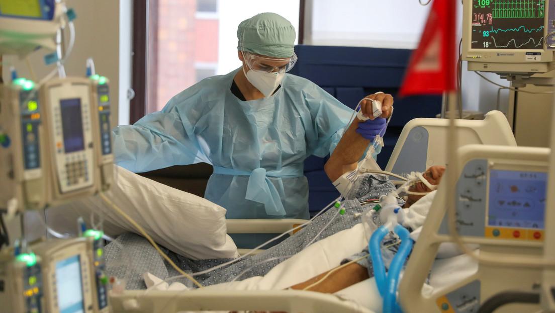 Científicos sugieren que el coronavirus puede aumentar el riesgo de derrame cerebral en los pacientes jóvenes