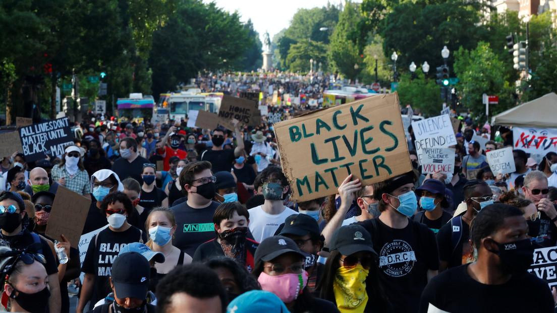 VIDEO: Decenas de miles de manifestantes llenan las calles de EE.UU. en una nueva jornada de masivas protestas contra la brutalidad de la Policía