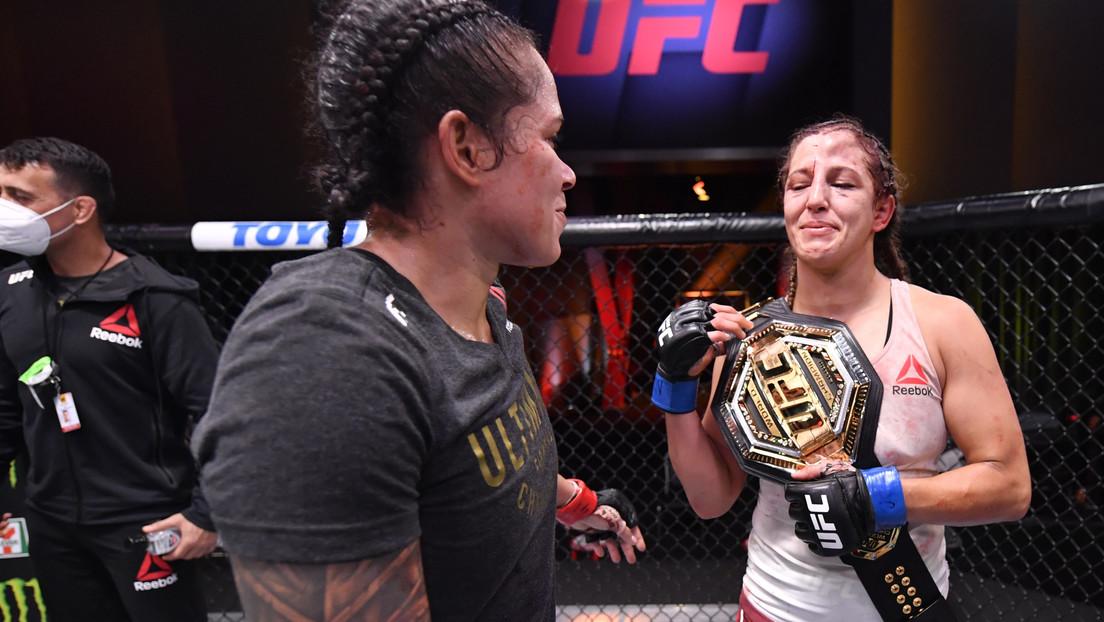VIDEO: Amanda Nunes 'entrega' su cinturón de campeona de la UFC a su rival derrotada en un noble gesto