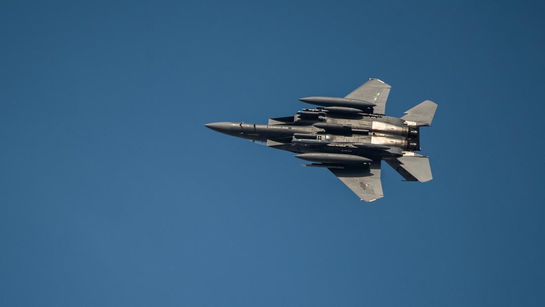 EE.UU. demuestra que su avión de combate F-15E es capaz de portar bombas nucleares (VIDEO)