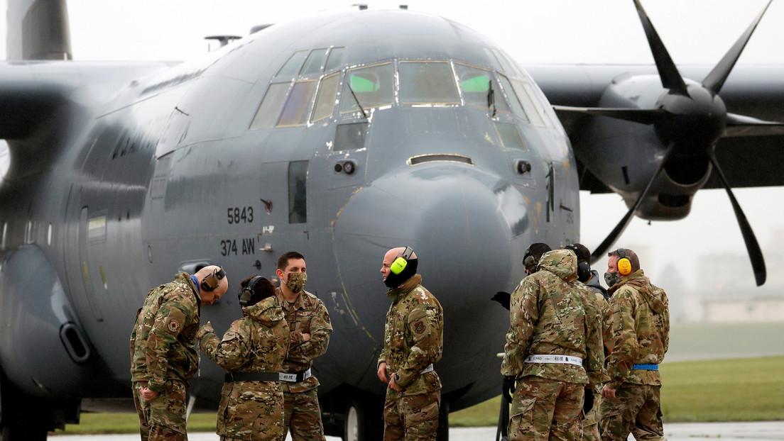 Cuatro heridos al estrellarse un avión militar de EE.UU. contra una barrera durante el aterrizaje en una base en Irak