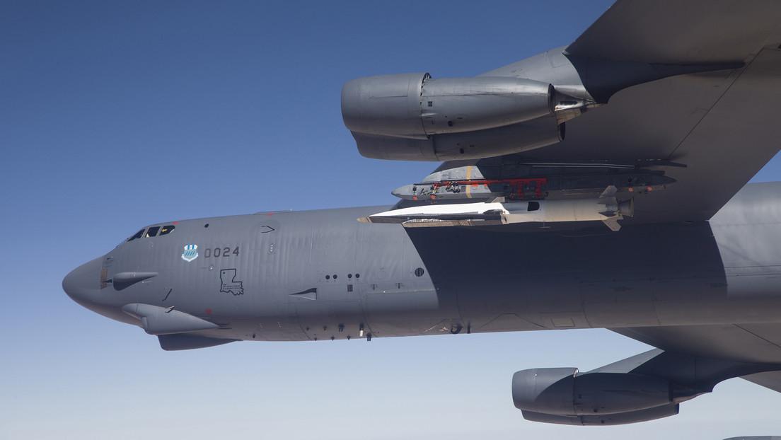 Un misil experimental cayó accidentalmente de un avión de la Fuerza Aérea de EE.UU. (y fue destruido)