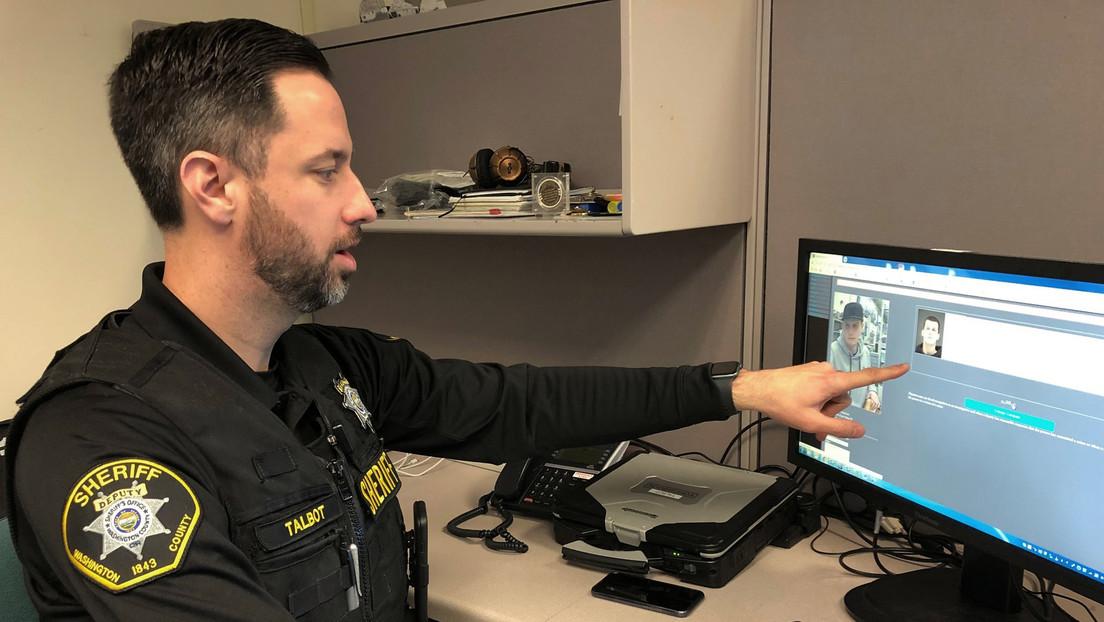 Amazon prohíbe herramienta a policía gringa