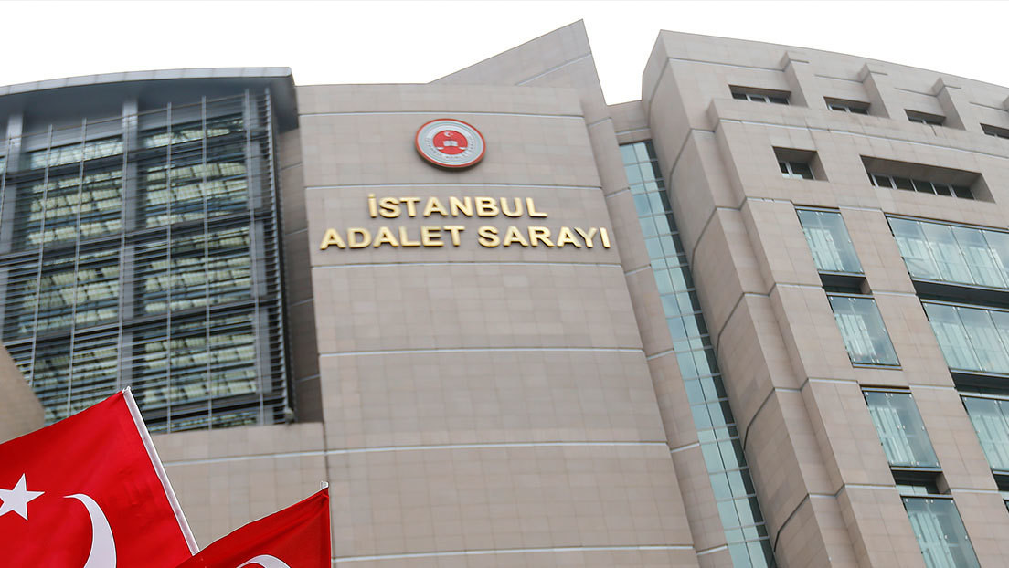 """Corte turca encarcela a un empleado del consulado de EE.UU. por ayudar a un """"grupo terrorista"""""""