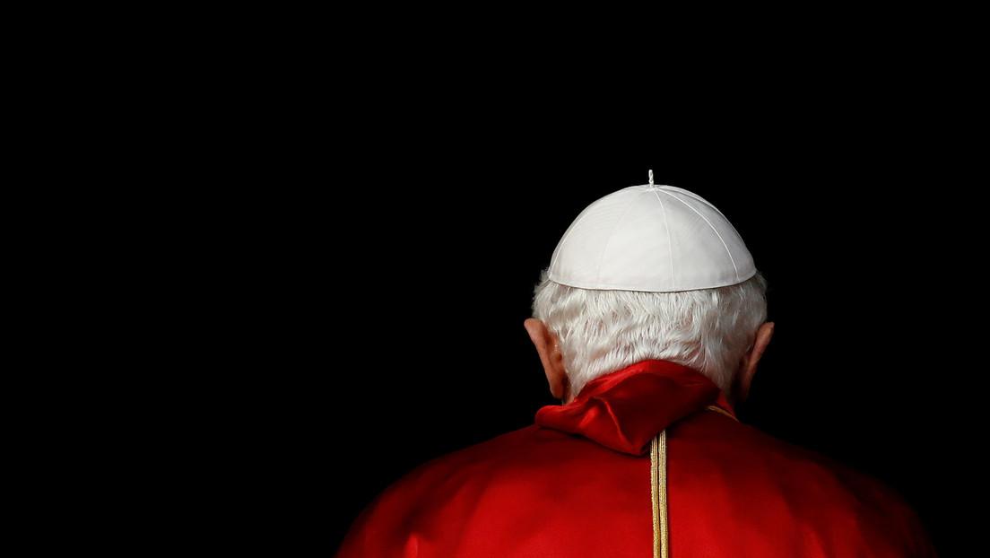 """Exministro del Interior de España asegura que Benedicto XVI le dijo: """"El diablo quiere destruir España"""""""