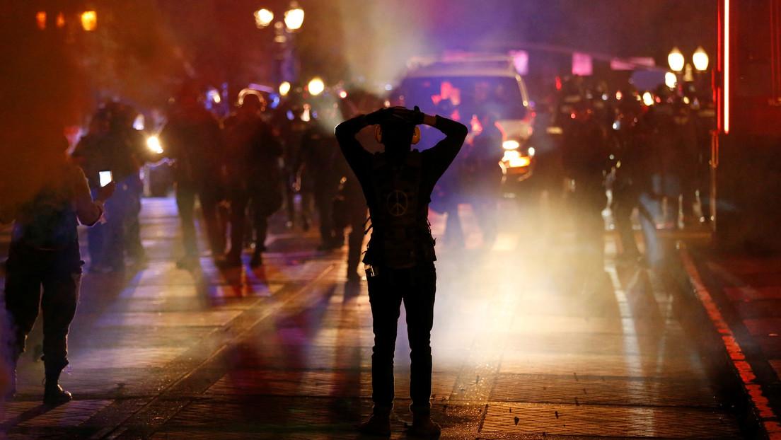 Un hispano muere tras recibir un disparo por parte de un policía en California