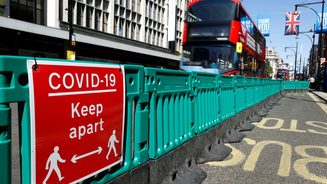 Reino Unido se plantea si reducir el distanciamiento social de 2 metros (pero los científicos tienen dudas)
