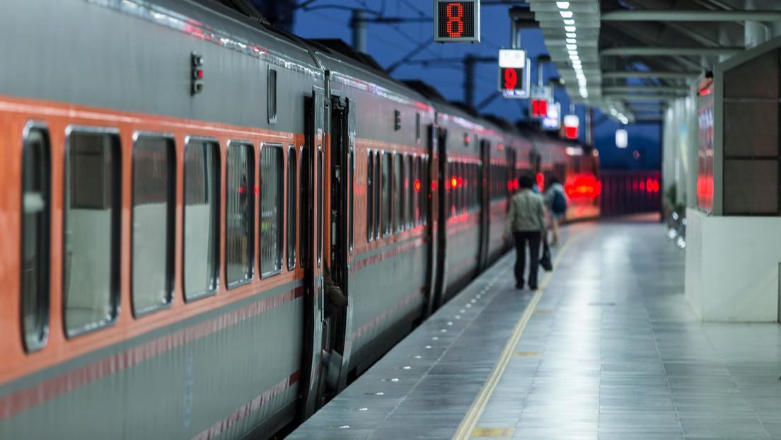 Misterio: olvidan un paquete con lingotes de oro en el tren y ahora las autoridades buscan al dueño