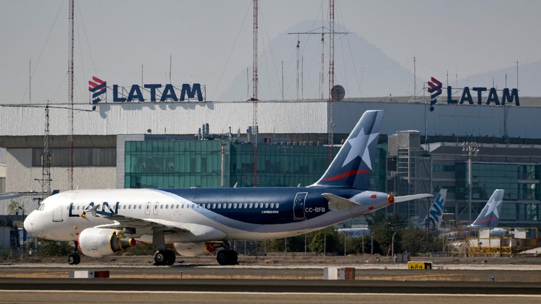 """Latam Airlines anuncia que deja de operar en Argentina """"por tiempo indeterminado"""" thumbnail"""