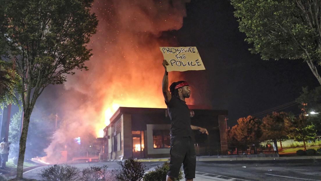 """Trump señala que la muerte de Rayshard Brooks fue """"una situación terrible, pero no se puede resistir a un policía"""""""