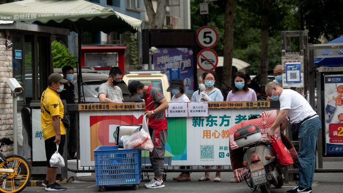 El 'paciente cero' del rebrote de coronavirus en Pekín cuenta su paso por el mercado de alimentos considerado como el foco de los contagios