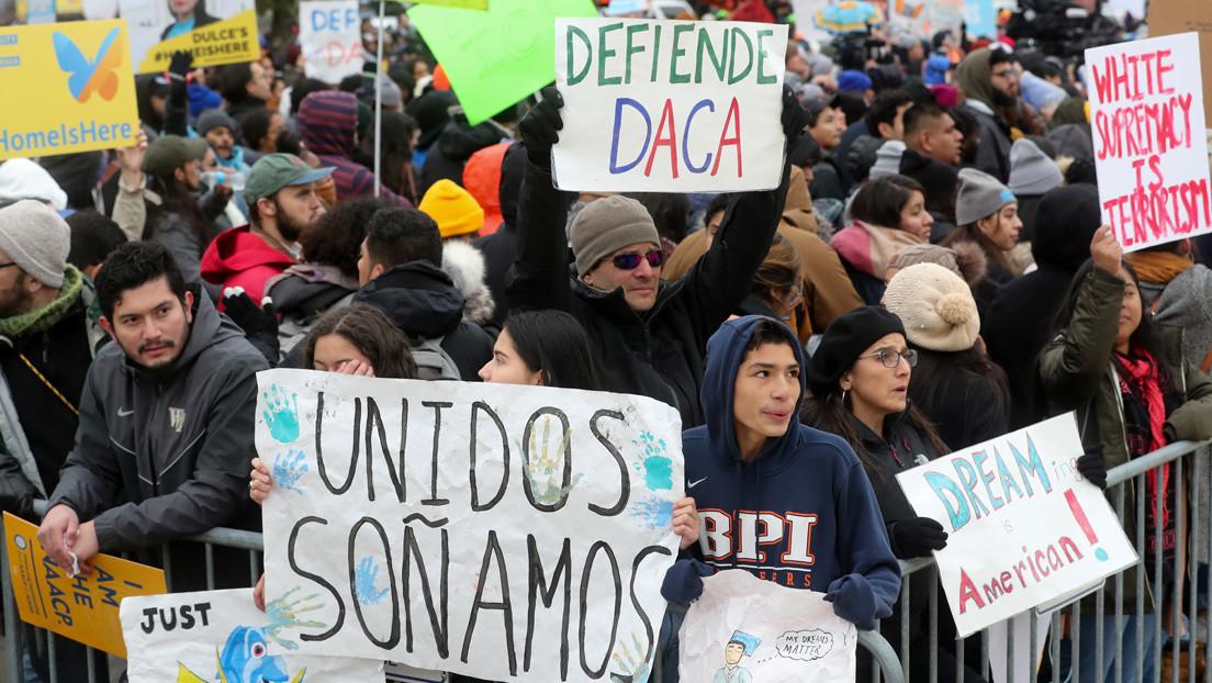 Corte Suprema de EE.UU. bloquea que Trump cancele el programa migratorio DACA de Obama